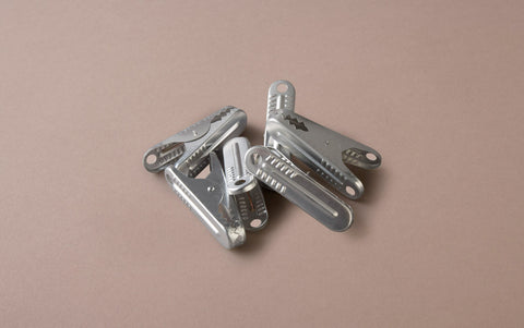10 Aluminium Clips with teeth