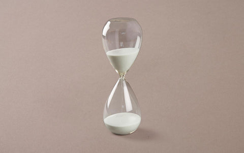 60 minute Handblown Hourglass, White/Light Grey Sand