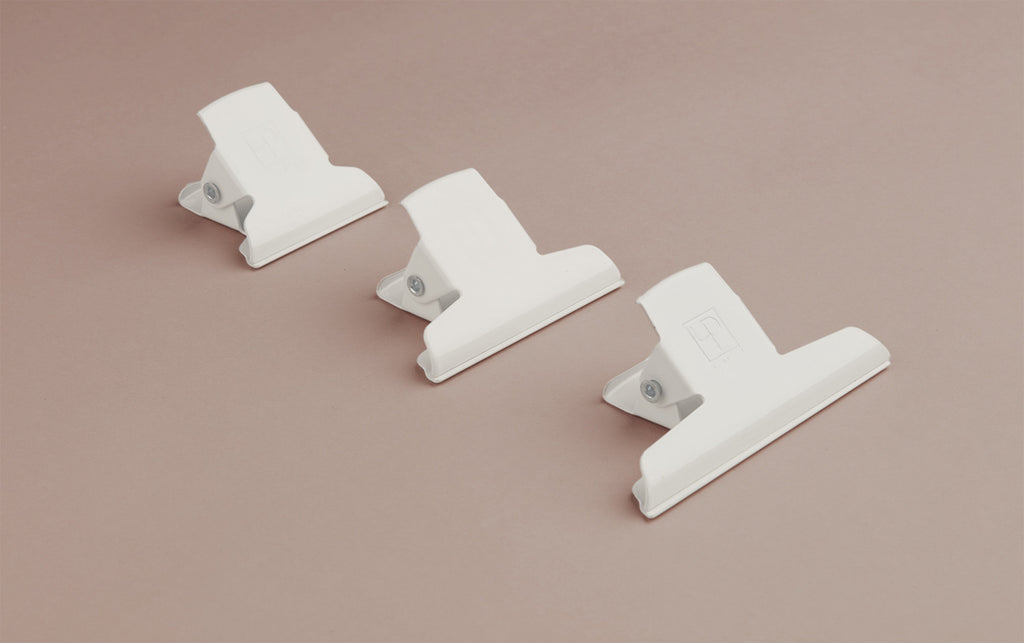 Enamelled 5cm Clamp / White