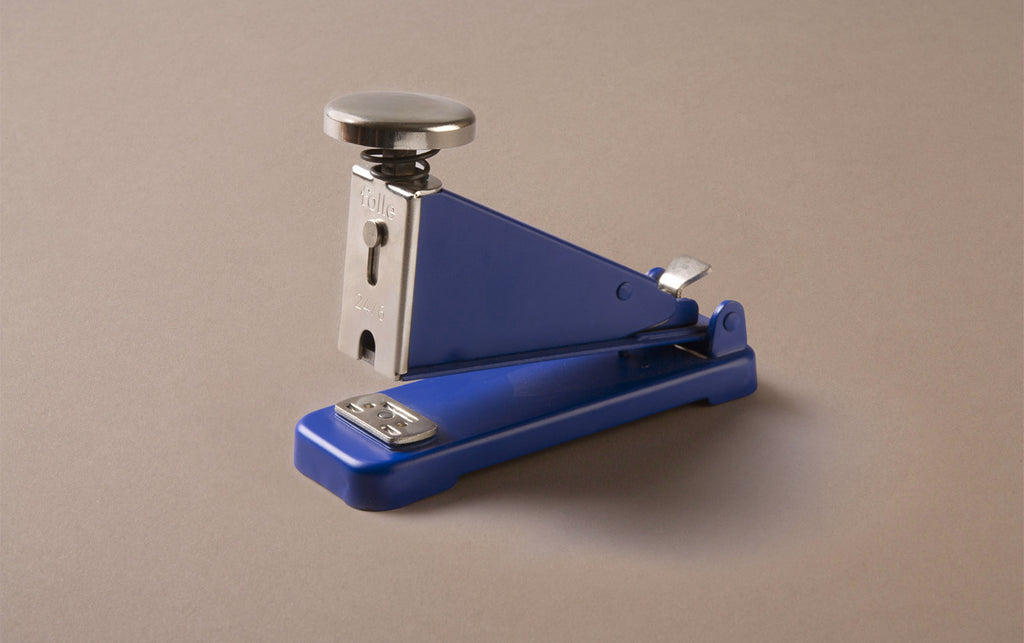 Desktop Blue Folle Classic Stapler
