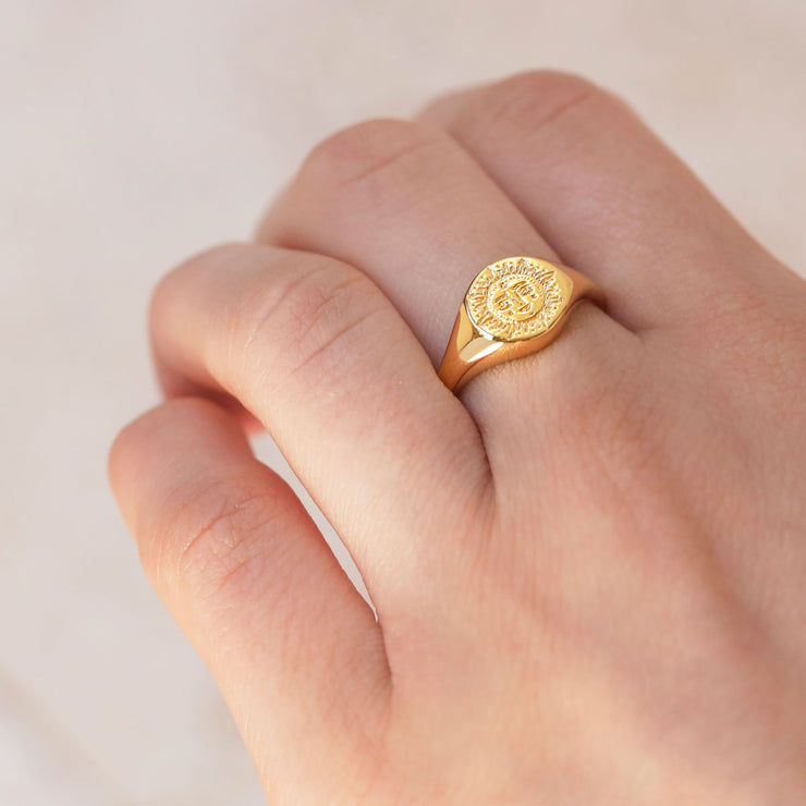 Dainty Sun Signet Ring Gold