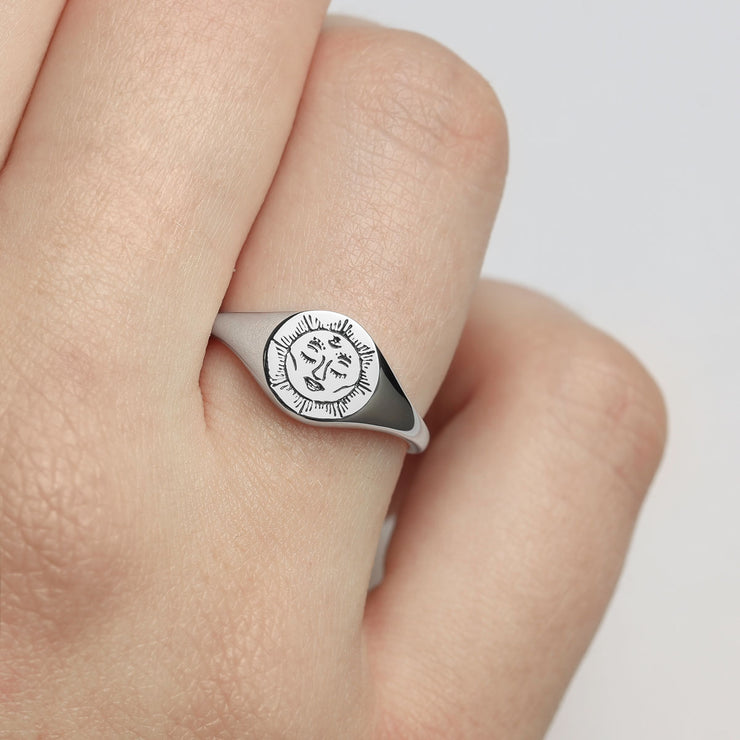 Dainty Moon Signet Ring
