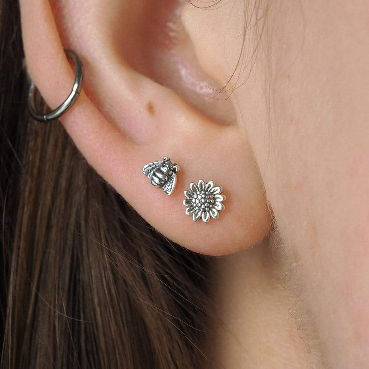 Midsummer Star Earrings Delicate Sunflower Studs