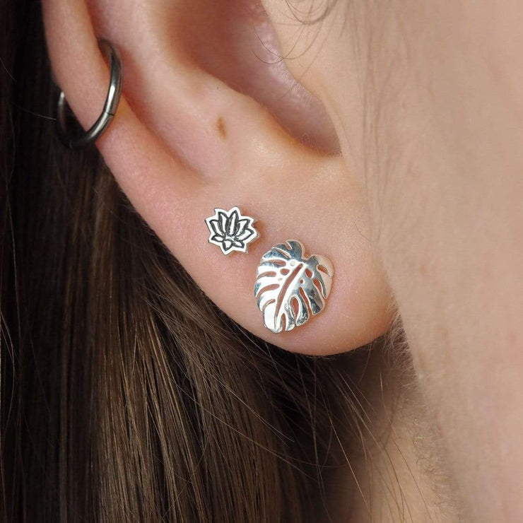 Midsummer Star Earrings Monstera Studs