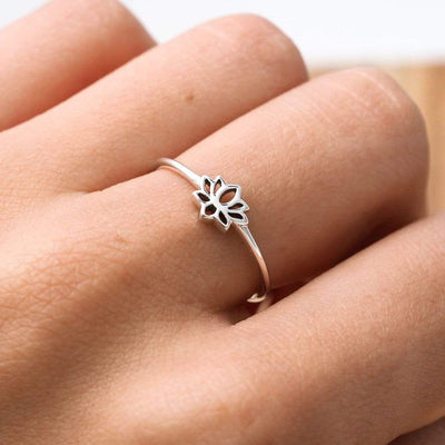 Midsummer Star Ring Baby Lotus Ring