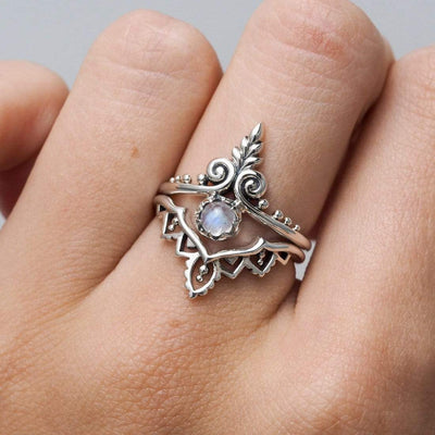 Midsummer Star Ring Ornate Swirl Rainbow Moonstone Ring