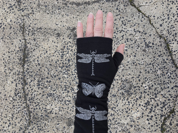 Black dragonfly merino gloves