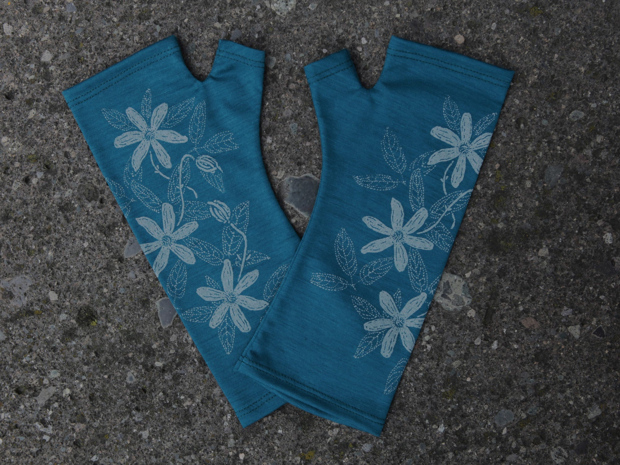 Teal Clematis merino gloves
