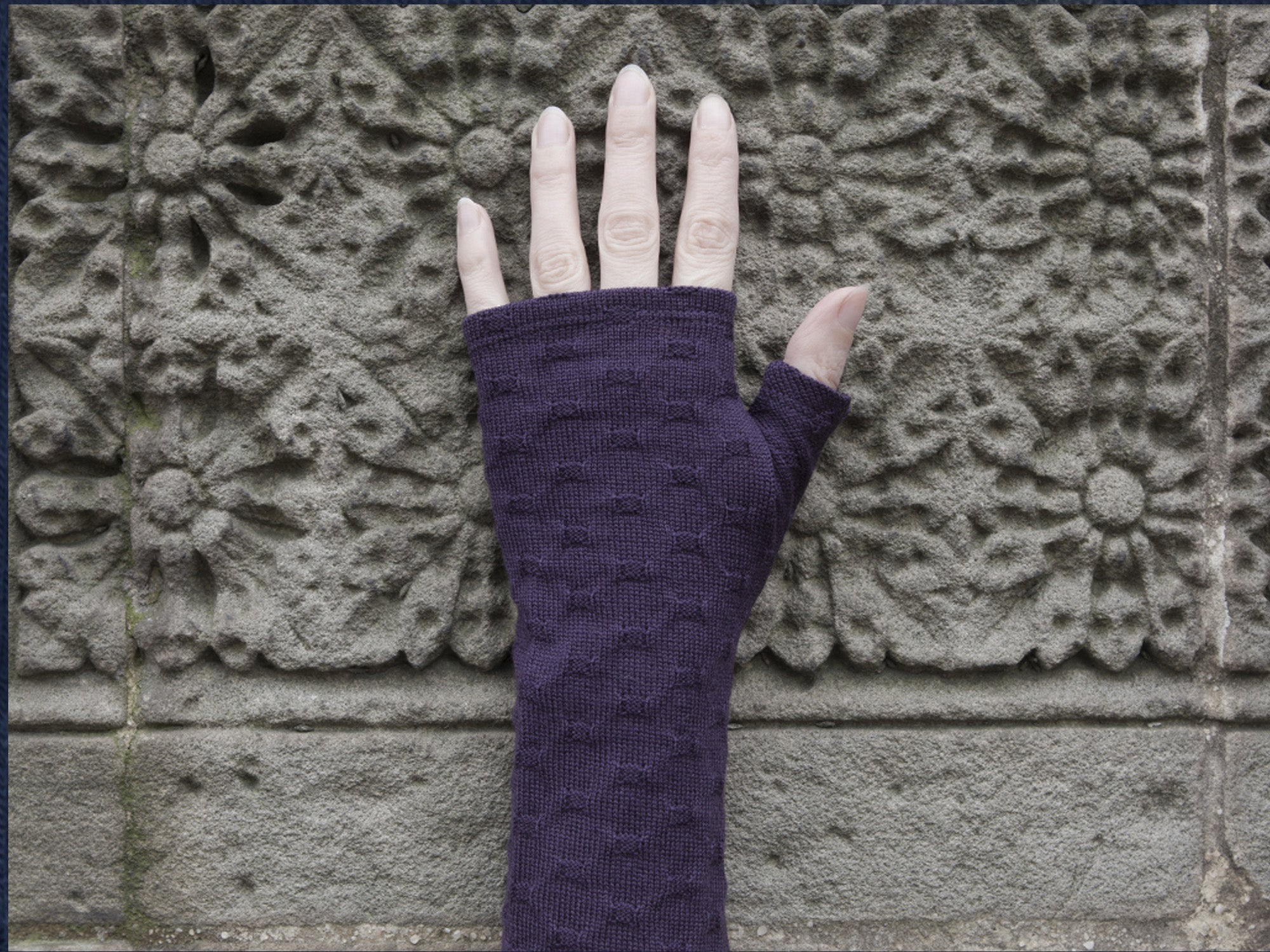 Purple textured merino gloves