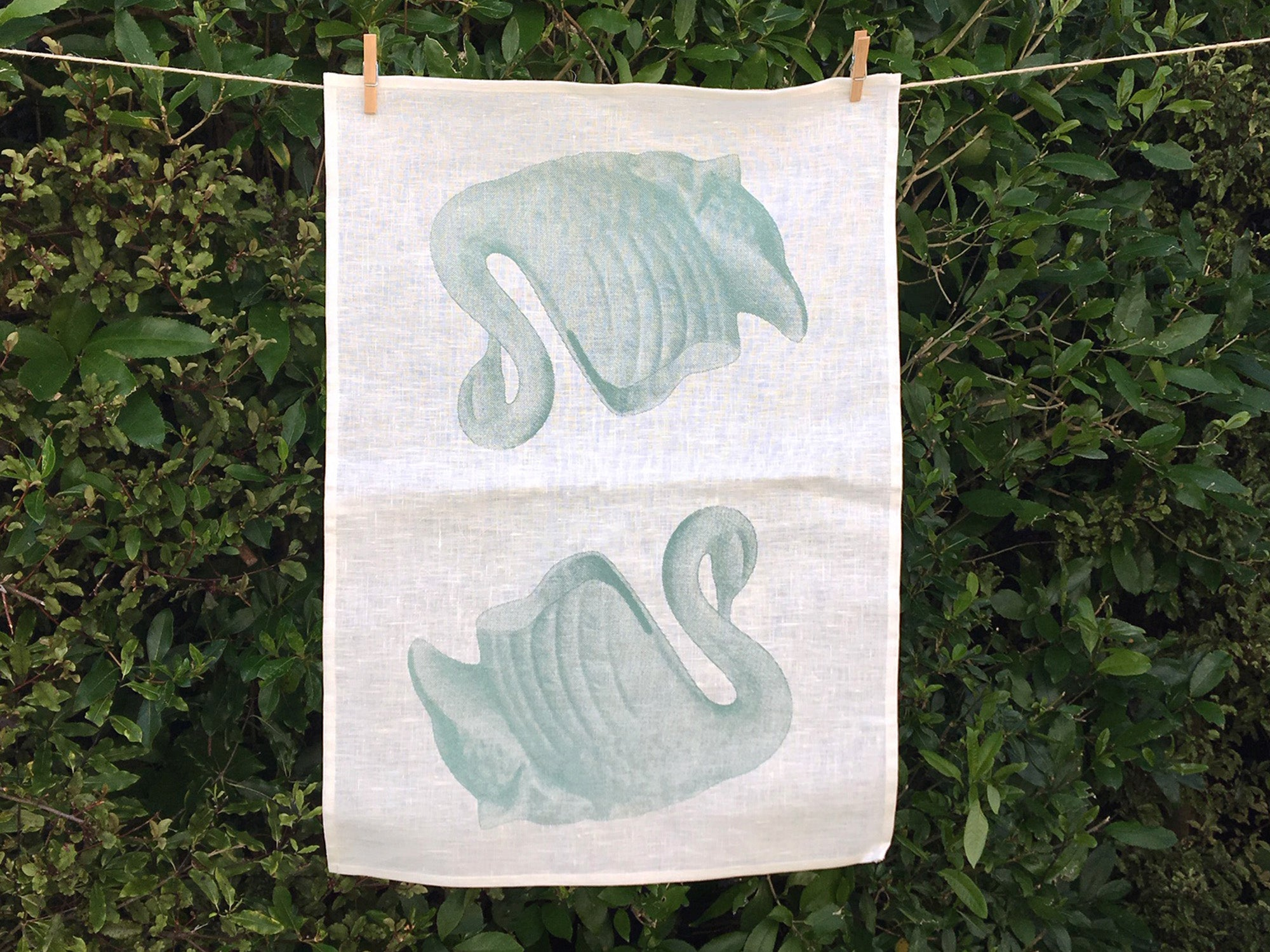 Green swan tea towel - cream linen