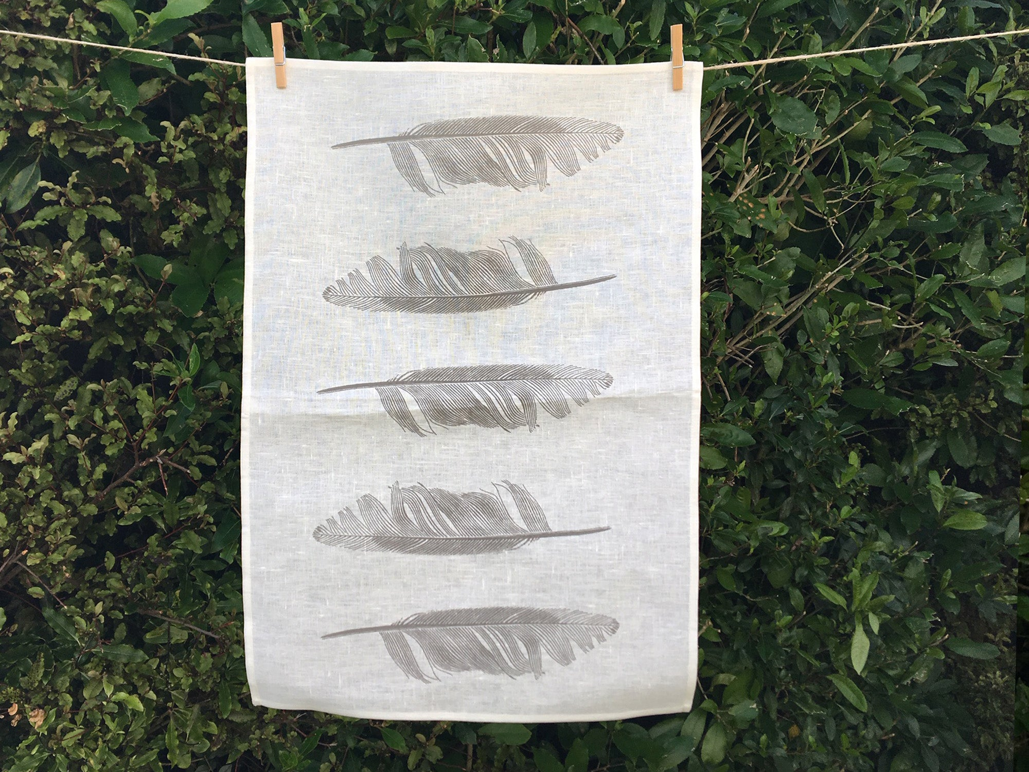 Feather tea towel - cream linen