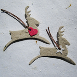 Recycled Ideas Favors plantable paper reindeer