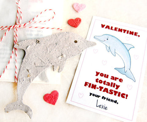 Recycled Ideas Favors plantable paper dolphin with mini hearts and card
