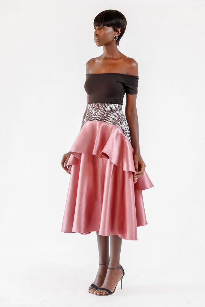 VOLUMOUS SATIN SKIRT WITH WAX PRINT DETAIL