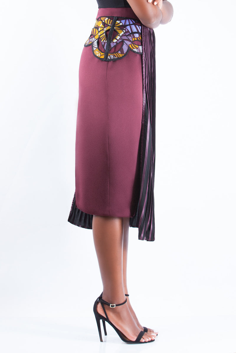 PENCIL SKIRT WITH PLEAT DETAIL
