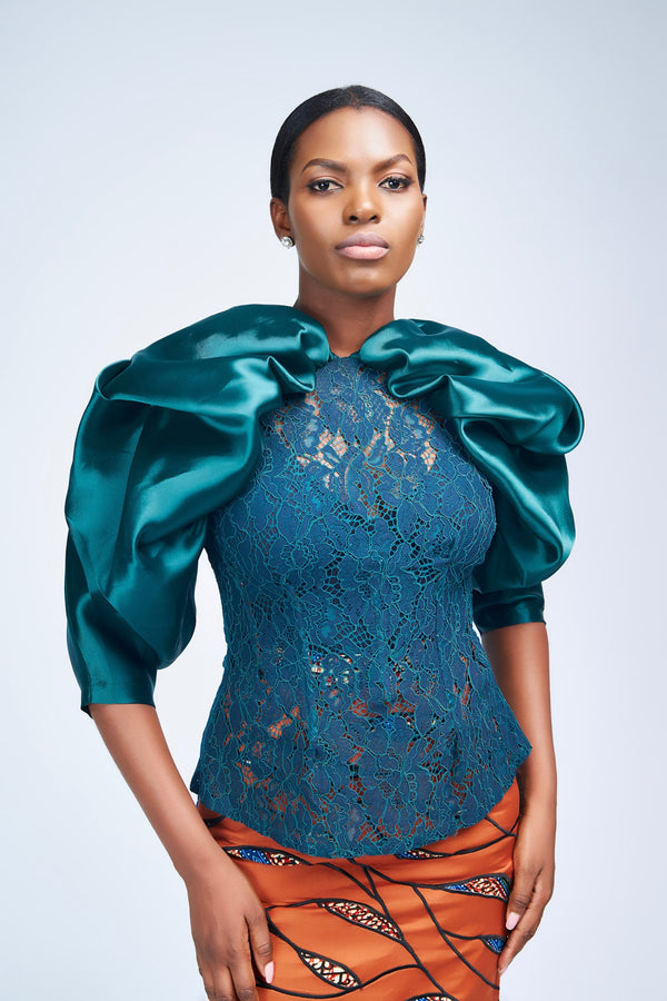 THE DRAMATIC SLEEVED LACE BLOUSE - EMERALD