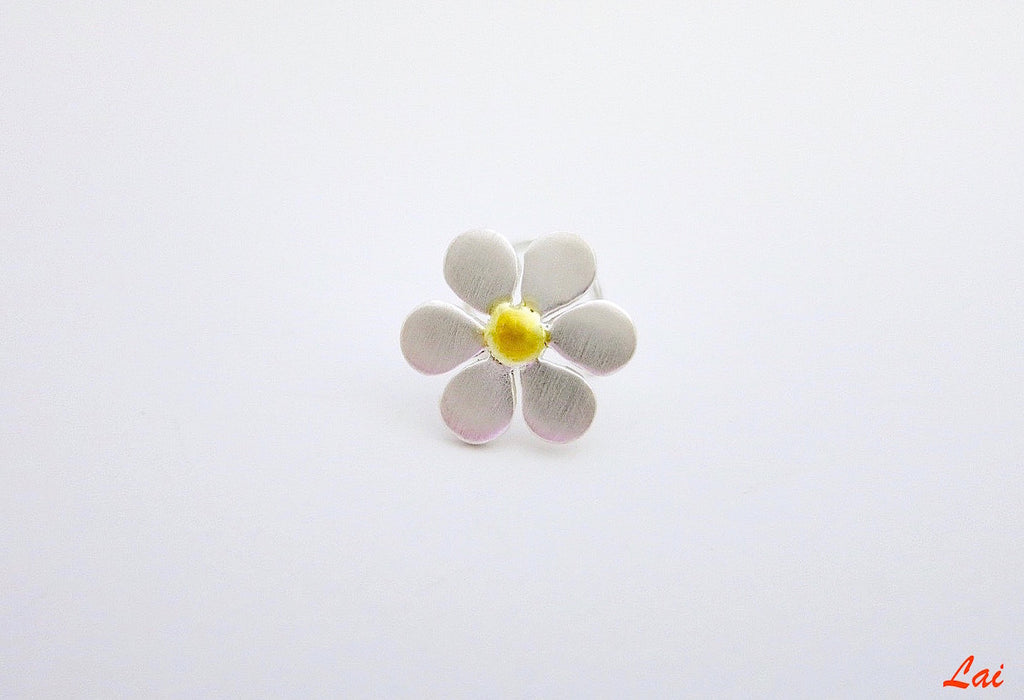 Elegant dual-tone flower nose pin (PB-009-NP)  Nose pin Lai designer sterling silver 925 jewelry that is global culture inspired artisanal handcrafted handmade contemporary sustainable conscious fair trade online brand shop