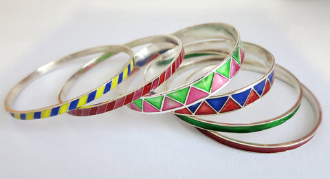 Beautiful diagonal line pattern enamel work bangle (PB-1185(2)-B)  Bangles Sterling silver handcrafted jewellery. 925 pure silver jewellery. Earrings, nose pins, rings, necklaces, cufflinks, pendants, jhumkas, gold plated, bidri, gemstone jewellery. Handmade in India, fair trade, artisan jewellery.