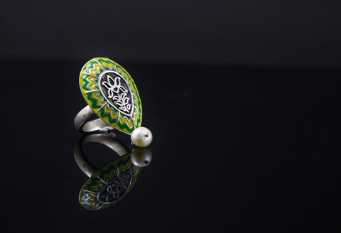 Exquisite drop shape chevron enamel ring with a dangling pearl (PB-1526-R)