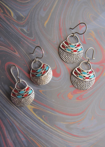 Stunning, hammer-finish, turquoise and red enamel earrings