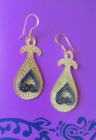 Turkish hammer finish gold plated earrings with mehndi inspired black rhodium plated detailing (PBS-4741-ER)
