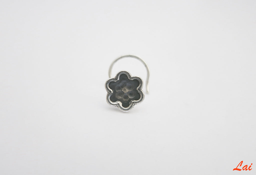Oxidized hammer finish flower nose pin (PB-012-NP) - Lai - 1