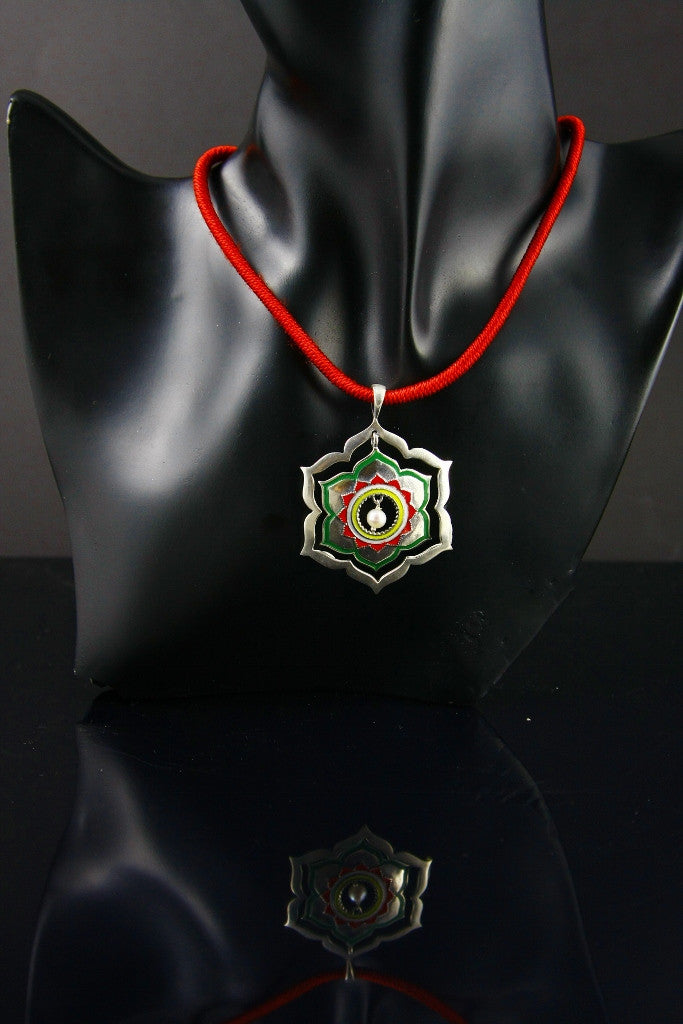 Exquisite Mughal inspired lotus enamel pendant with a pearl drop (PB-1522) -  - 4