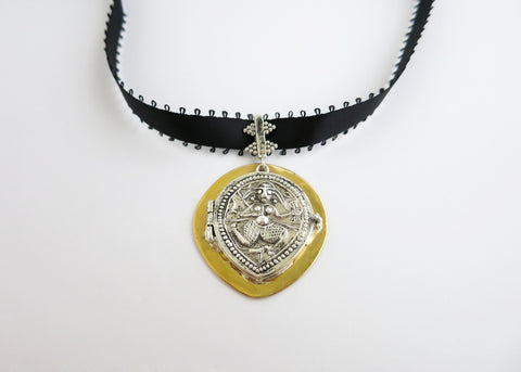 Stunning neck choker with bi-metal goddess amulet