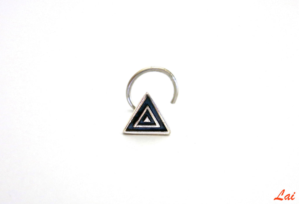 Dainty chic triangle nose pin (PB-002-NP) - Lai - 1