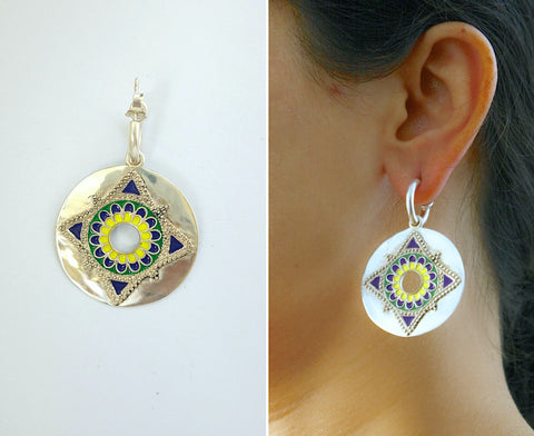 Gorgeous round dangling enamel disc on a small open hoop earrings (PB-9539-ER) Earrings Sterling silver handcrafted jewellery. 925 pure silver jewellery. Earrings, nose pins, rings, necklaces, cufflinks, pendants, jhumkas, gold plated, bidri, gemstone jewellery. Handmade in India, fair trade, artisan jewellery.