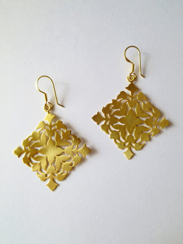 Minimalist luxe kite shape gold plated cut work earrings in satin finish (HE1-1308)  Earrings Sterling silver handcrafted jewellery. 925 pure silver jewellery. Earrings, nose pins, rings, necklaces, cufflinks, pendants, jhumkas, gold plated, bidri, gemstone jewellery. Handmade in India, fair trade, artisan jewellery.