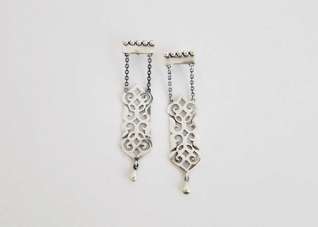 Timeless, long, dangling 'Fatehpuri' chain earrings (PB-11079-ER)