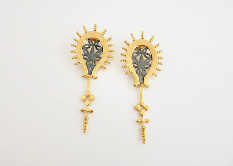 Exquisite, gold plated, two-tone 'Sunehri' earrings