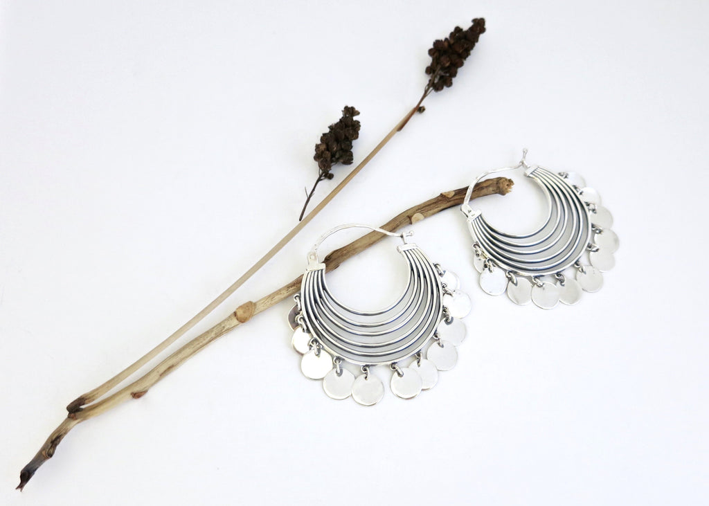 Shimmering, dramatic, concentric arcs hoops with a discs fringe (PB-10263-ER)