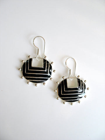 Graphic, chic, oval earrings with fine black enamel and granulation work