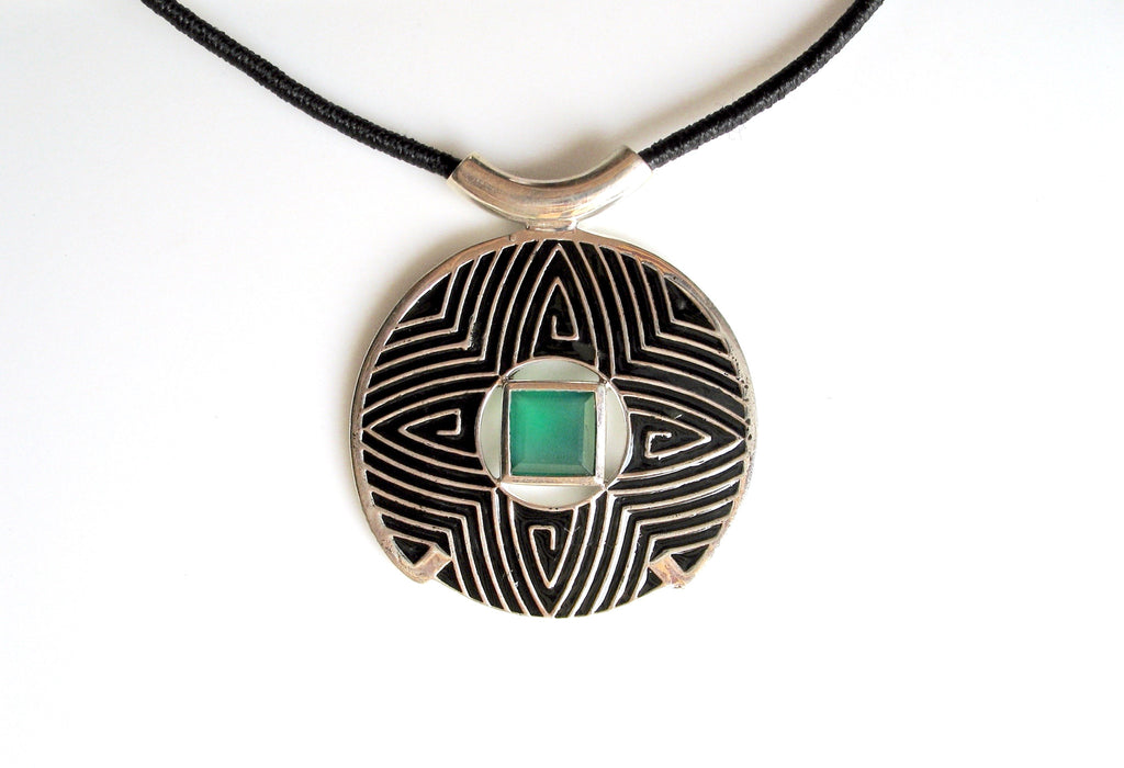 Gorgeous round pendant with fine black enamel work accented by green chrysoprase (PB-4866-P) -  - 1