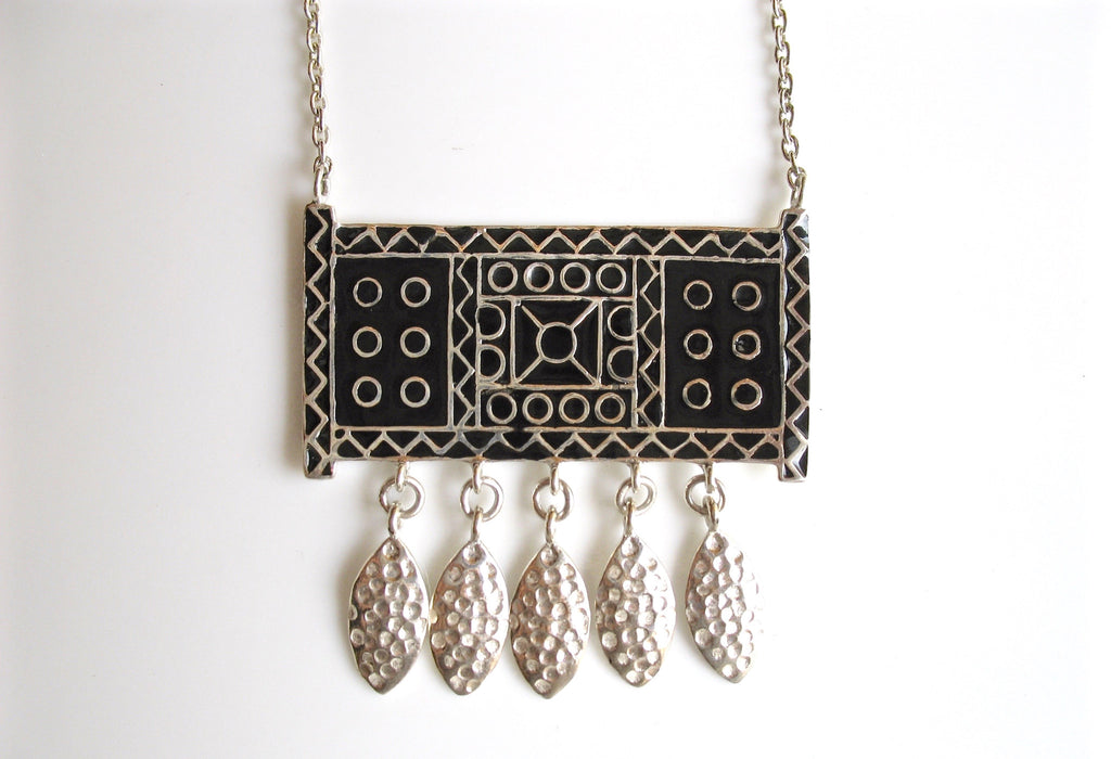 Stunning bohemian rectangular pendant necklace with fine black enamel work (PB-4869-P) - Lai - 1