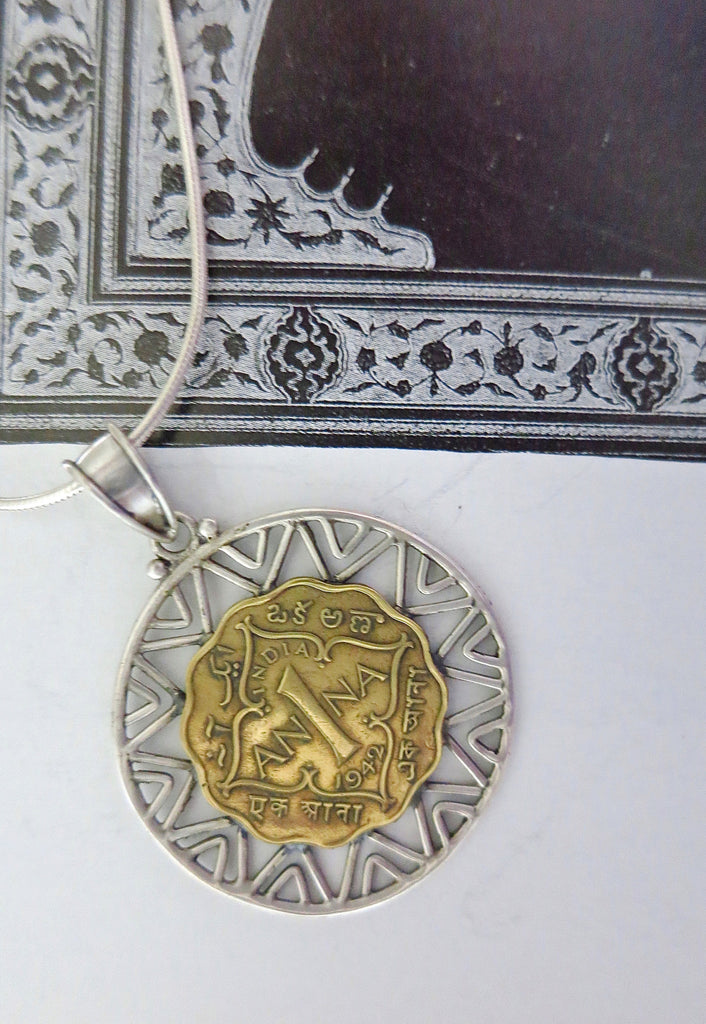 Stunning vintage coin pendant with silver wire work (PB-1515) - Lai