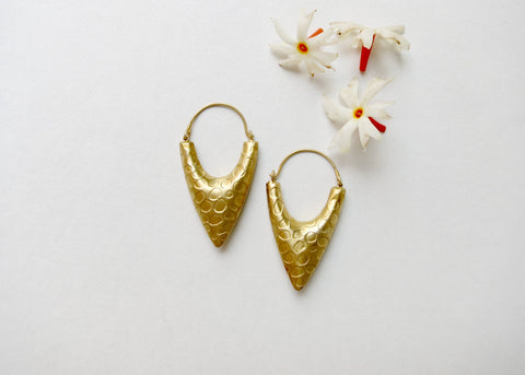Dramatic, textured, gold plated arrowhead hoops (PBE-1007-ER)  Earrings Sterling silver handcrafted jewellery. 925 pure silver jewellery. Earrings, nose pins, rings, necklaces, cufflinks, pendants, jhumkas, gold plated, bidri, gemstone jewellery. Handmade in India, fair trade, artisan jewellery.