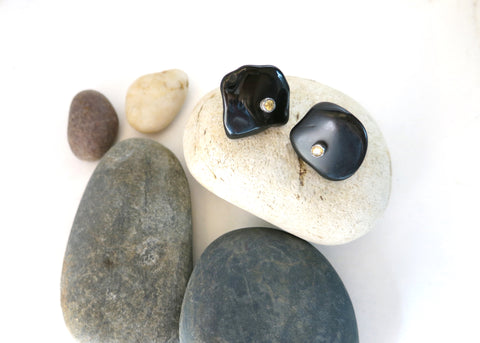 Unique, tumble polished black agate studs set with facetted citrine in center (PBE-1050-ER)