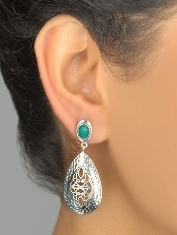 Exquisite Kutch inspired jali, green stone and hammered finish drop earrings (PB-7413-ER) Earrings Sterling silver handcrafted jewellery. 925 pure silver jewellery. Earrings, nose pins, rings, necklaces, cufflinks, pendants, jhumkas, gold plated, bidri, gemstone jewellery. Handmade in India, fair trade, artisan jewellery.