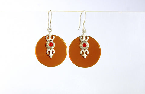Chic round light brown glass earrings with silver & carnelian accent (PBS-4157-ER)  Earrings Sterling silver handcrafted jewellery. 925 pure silver jewellery. Earrings, nose pins, rings, necklaces, cufflinks, pendants, jhumkas, gold plated, bidri, gemstone jewellery. Handmade in India, fair trade, artisan jewellery.
