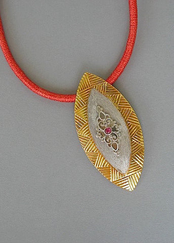 Stunning big navette shape pendant with garnet, wire work & gold plated detailing (PB-1451)