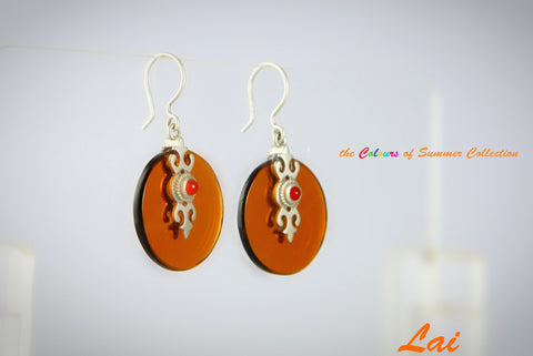 Chic round light brown glass earrings with silver & carnelian accent (PBS-4157-ER)