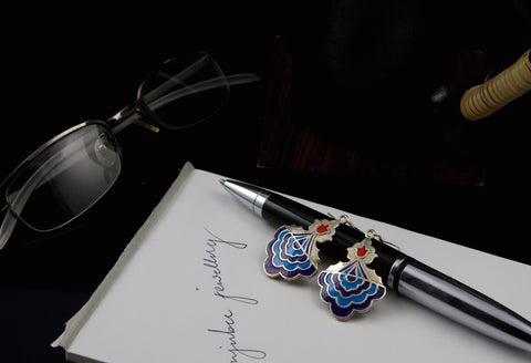 Graceful, Mughal motif scallop enamel earrings