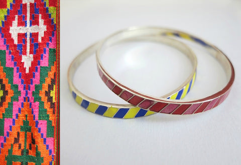 Beautiful diagonal line pattern enamel work bangle (PB-1185(2)-B)