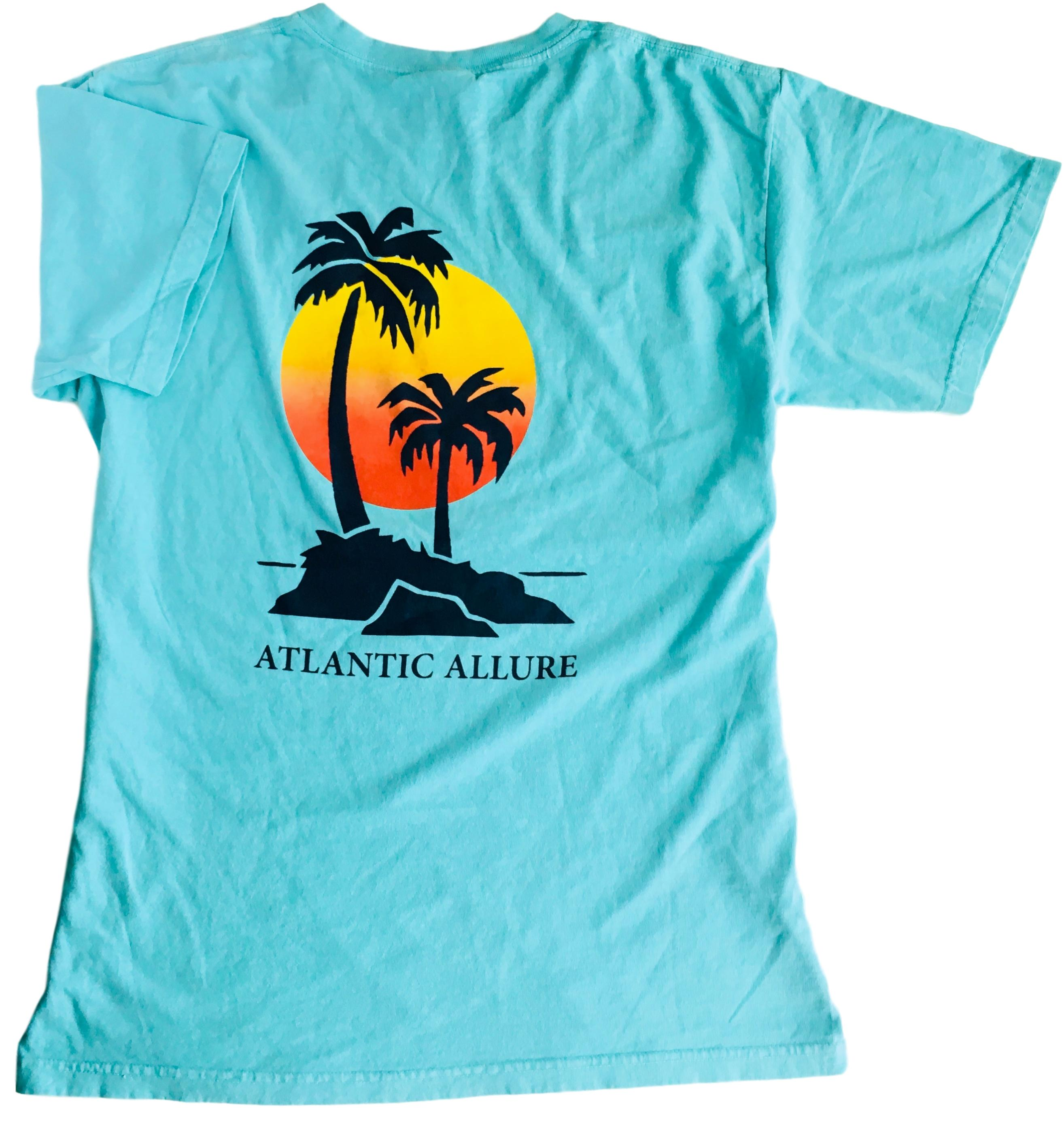 Palm Tree Sunset Short-Sleeve Chalky Mint color