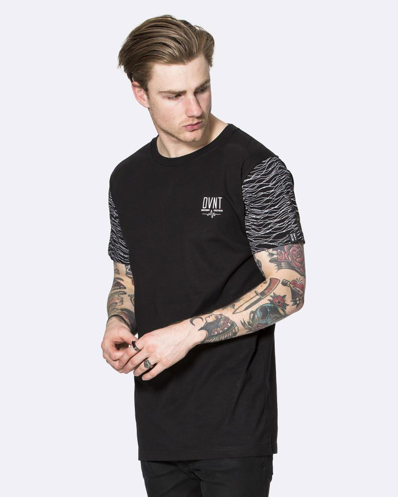 FREQUENCY SLEEVE TEE