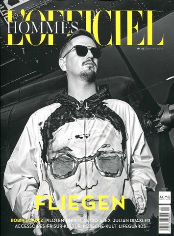 Serapian briefcase appearing in the new edition of the German-speaking men's fashion magazine L'OFFICIEL HOMMES.
