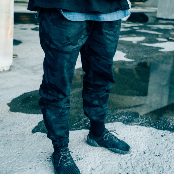 AW18 Dark Camo COMMITMENT Pants (Black)